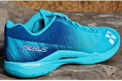 YOENX尤尼克斯史上最轻—AERUS Z羽毛球鞋试穿体验评测
